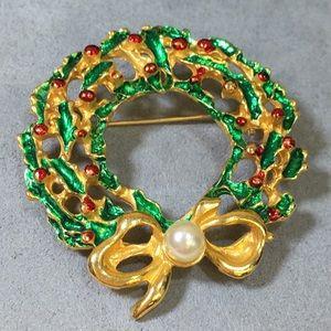 Vintage Christmas Wreath Brooch w/ Faux Pearl